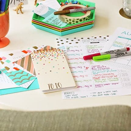 DIY  //  HOME OFFICE & BLOG ORGANIZING TIPS (FEATURING SHARPIE!)