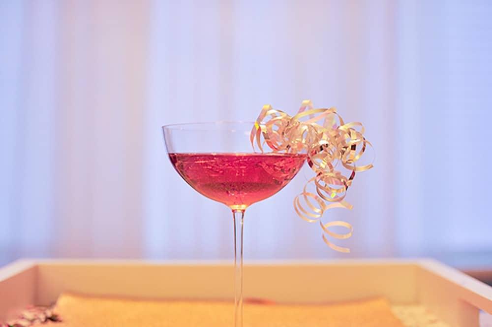 leftover curling ribbon on NYE cocktail