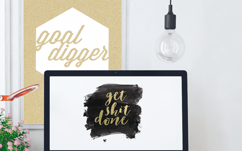 FREEBIES  //  GOLD FOIL GSD WALLPAPER AND PRINTABLE