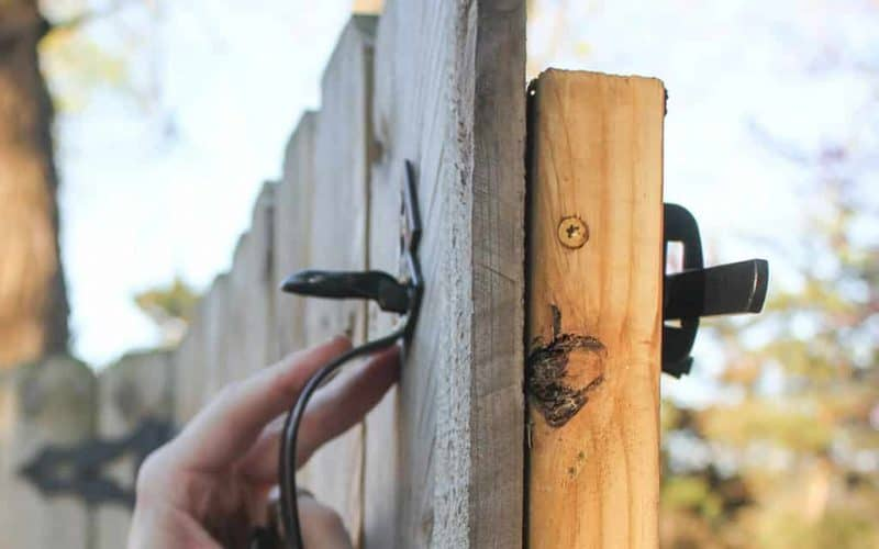 DIY  //  GATE HARDWARE TUTORIAL + GIVEAWAY