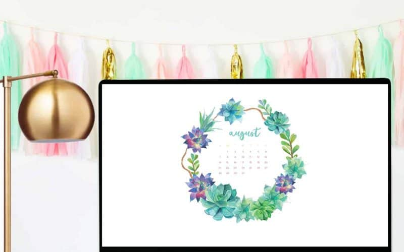 FREEBIES  //  AUGUST DESKTOP CALENDARS