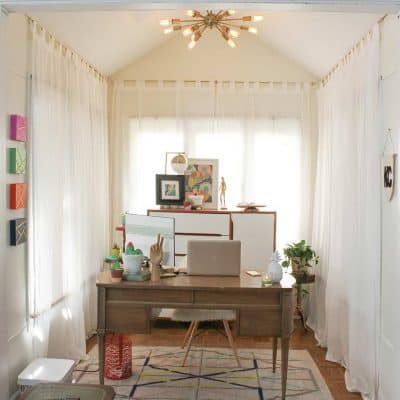 A home tour of the office nook using furniture found on curbs