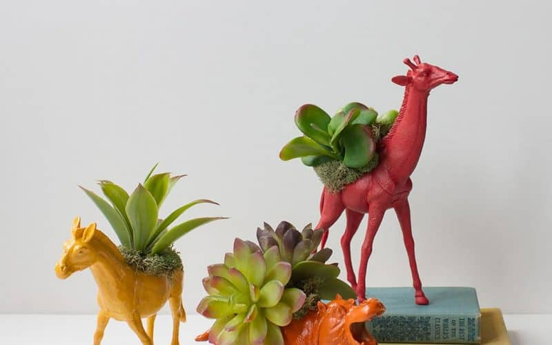 DIY  //  TOY ANIMAL PLANTERS