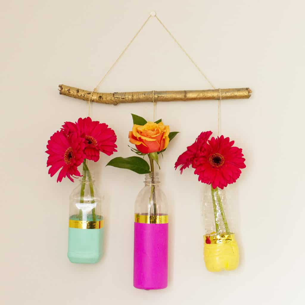 DIY upcycled floral wall hanging tutorial