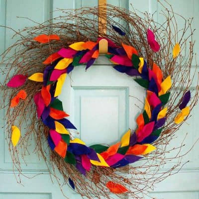 Oh So Lovely Blog shares a fun and easy DIY felt leaf fall wreath tutorial. Perfect for the season!
