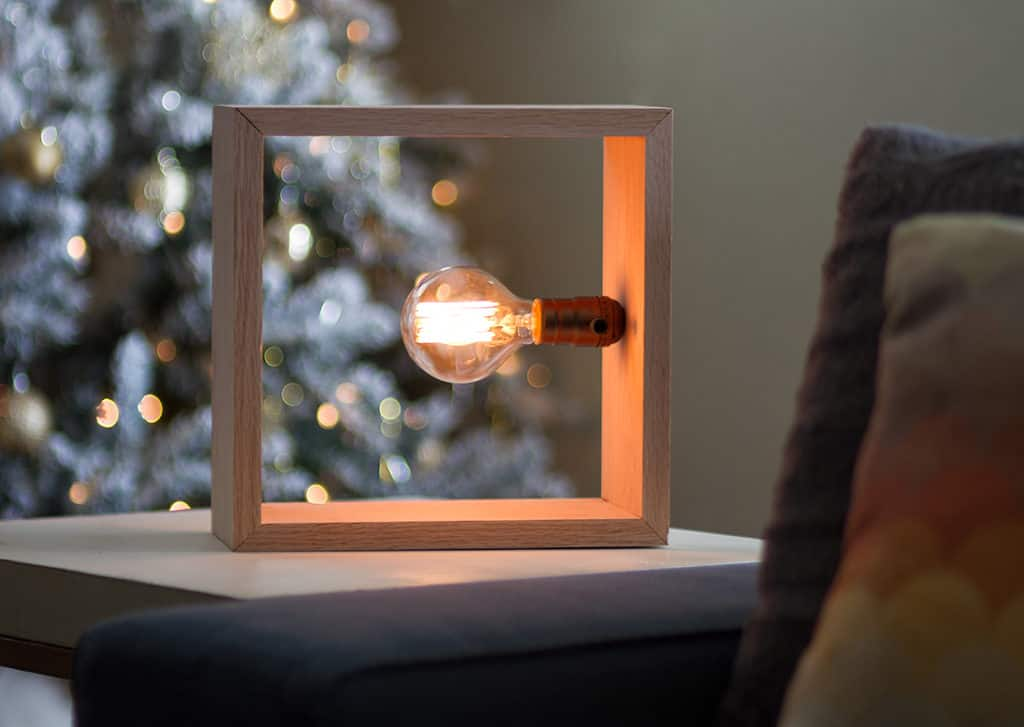 Audrey of Oh So Lovely Blog shows you how easy it is to make a unique DIY minimalist lamp with an ILikeThatLamp Kit.