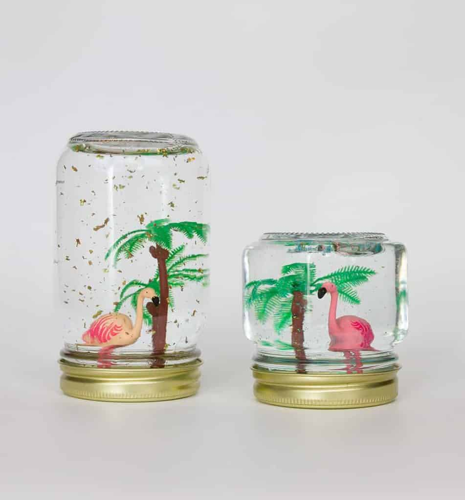 Oh So Lovely Blog shares an easy and fun craft project perfect for spring and summer...DIY flamingo snow globes! They make great gifts or party decor.