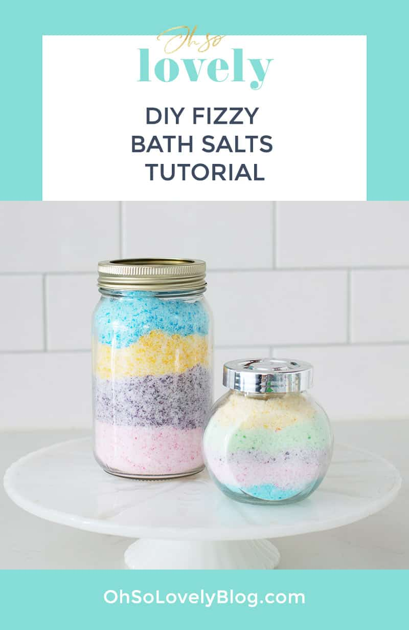 DIY fizzy bath salts – An easy and fun tutorial giving the same effect of a bath bomb with half of the work. Win-win!