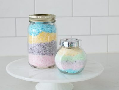 Audrey of Oh So Lovely Blog shares an easy and fun DIY fizzy bath salts tutorial. You get the same effect of a bath bomb with half of the work. Win-win!