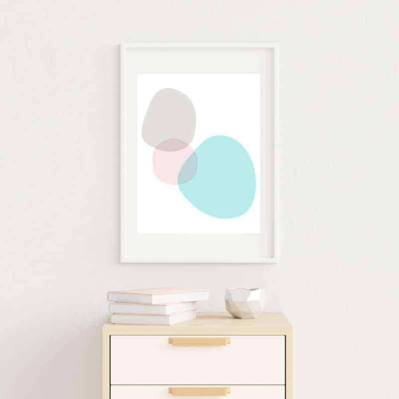 Audrey of Oh So Lovely Blog shares some hand drawn fresh and springy free printables—perfect for changing up those gallery walls for spring. Download yours today!
