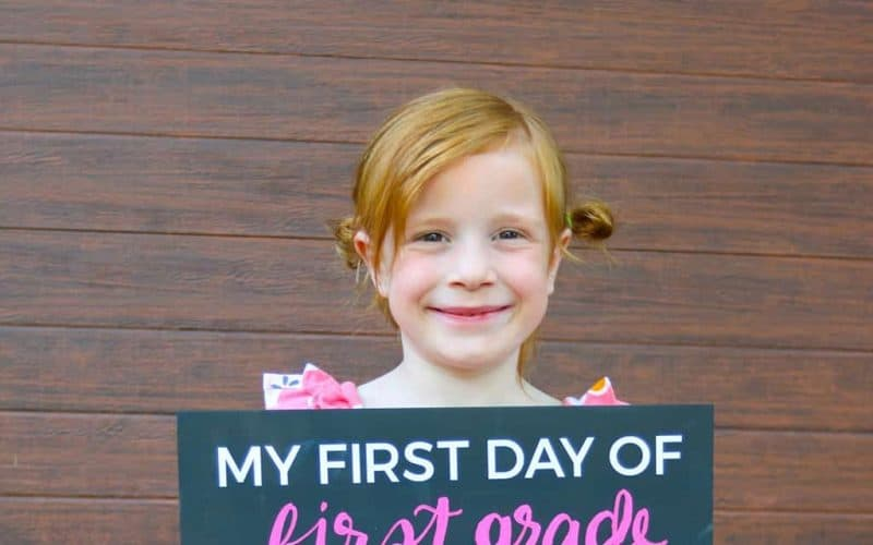 DIY  // BACK TO SCHOOL SIGN + FREE PRINTABLES