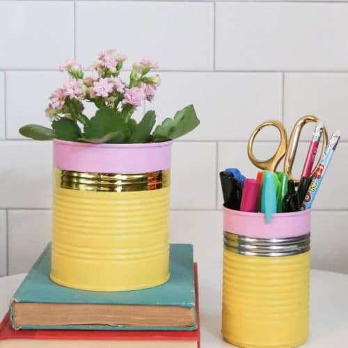 Are you looking for as easy and affordable DIY back to school teacher gift idea? You'll want to try this tin can pencil-look flower pot and pen cup!