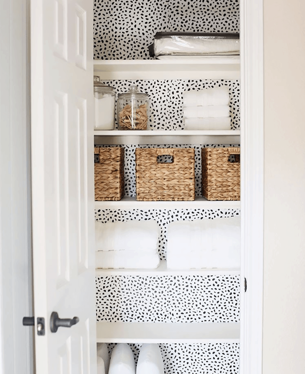 Amazing Before And After Linen Closet Makeover Helpful