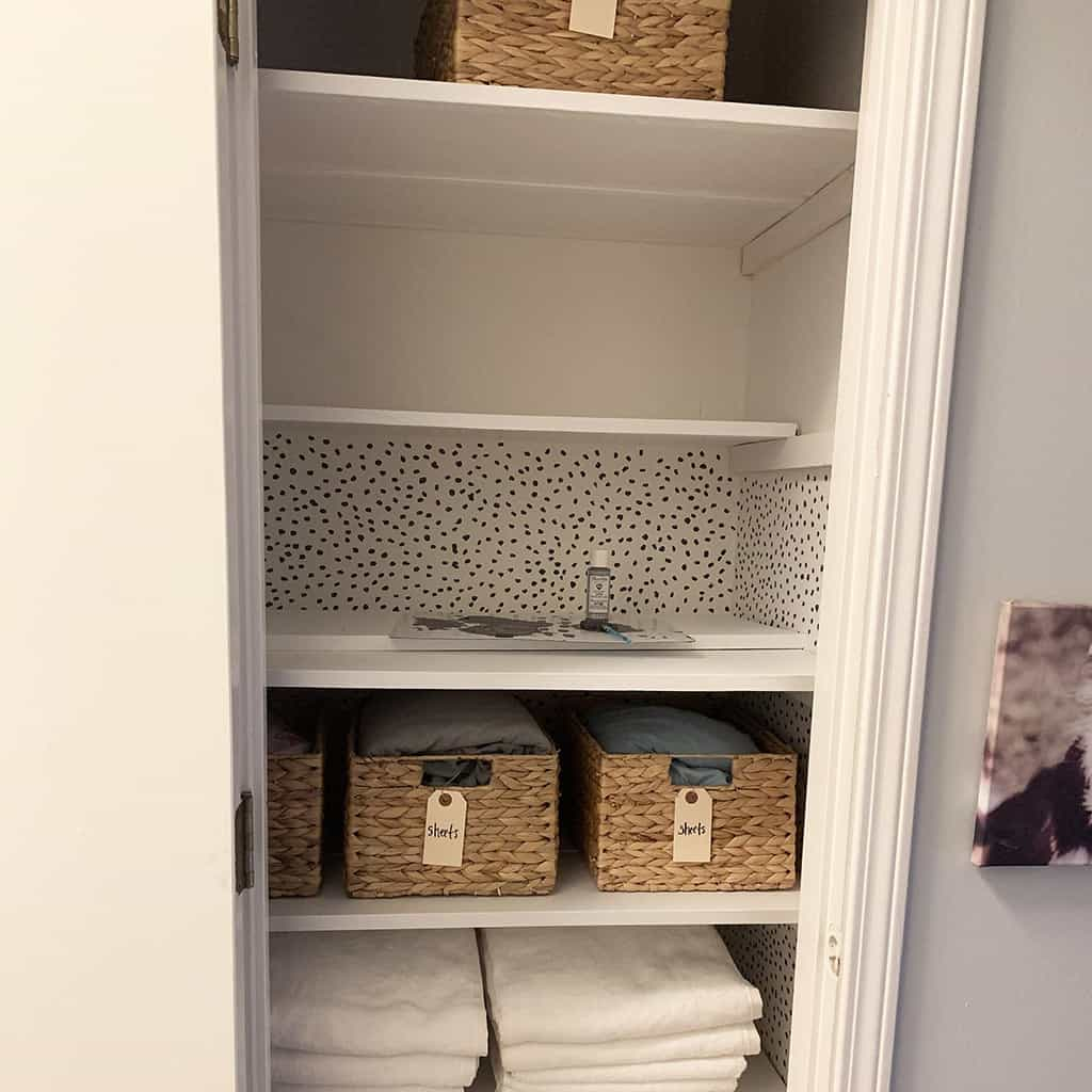 how to do hand painted dot wallpaper in closet