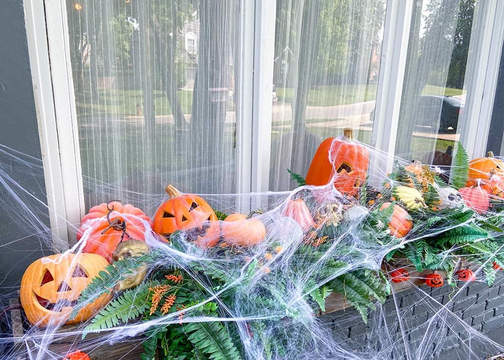 Image of: An Outdoor Halloween Decor Tour Fun Spooky And Full Of Festivity