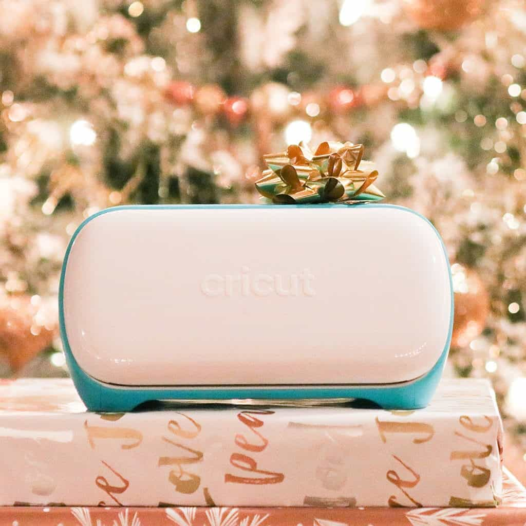 Learn why a Cricut Joy makes the best holiday gifts