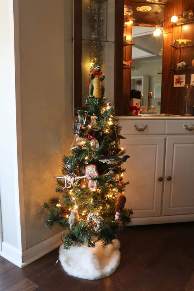 tacky christmas ornaments tree