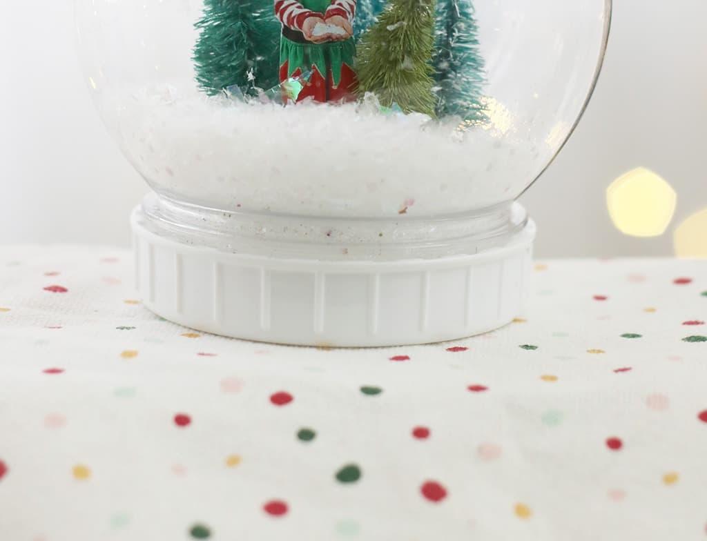 DIY personalized snow globe