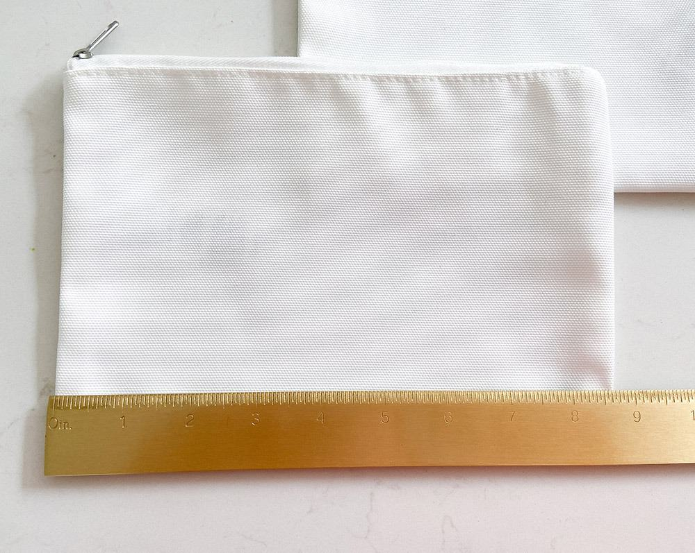Measuring cosmetic bag for iron on