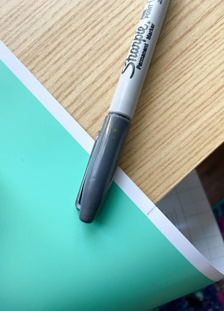 Marking turquoise mint vinyl with a marker