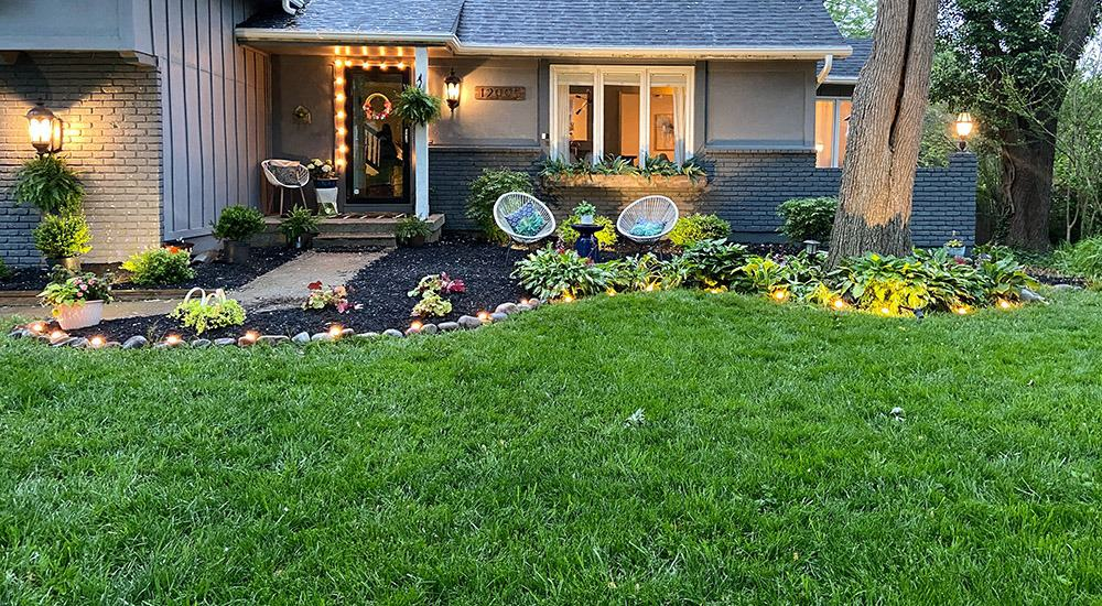 Landscaping update — DIY ideas to inspire you to get outside and and add some affordable curb appeal to your home.