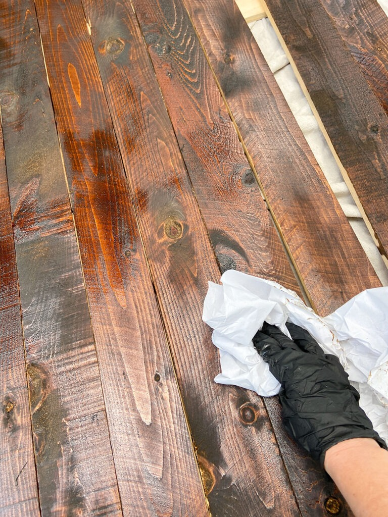Staining wood fence picket boards - wiping off excess stain