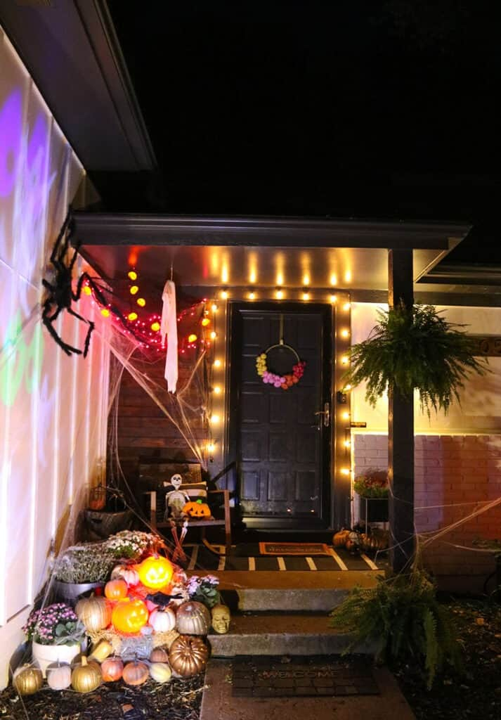 Outdoor Halloween decorations — A spooky and fun tour through all of our decor + affordable product recommendations. Get inspired!
